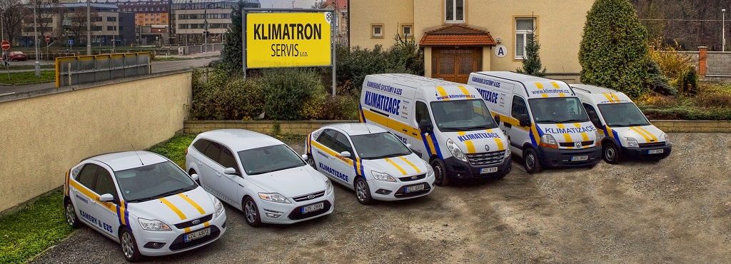 Automobily a centrála firmy Klimatron Servis s.r.o. v Kroměříži